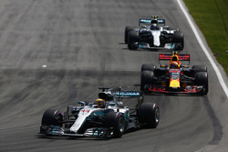 Lewis Hamilton, Mercedes AMG F1 W08, Max Verstappen, Red Bull Racing RB13, Valtteri Bottas, Mercedes