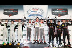 GTD podium: winnaars Connor de Phillippi, Christopher Mies, Sheldon van der Linde, Land-Motorsport,