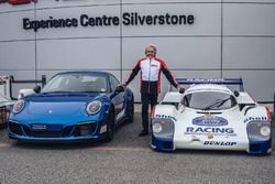 Derek Bell, Porsche 911 Carrera GTS 4 British Legends Edition