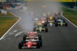 Départ : Gerhard Berger, Ferrari F187 en tête