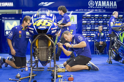 Мотоцикл Валентино Росси, Yamaha Factory Racing