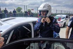 Stefano Accorsi sale sulla Peugeot 308 Racing Cup