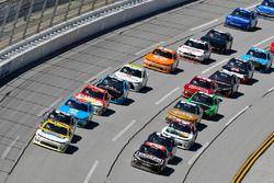 Джастин Алгайер, JR Motorsports Chevrolet и Эрик Джонс, Joe Gibbs Racing Toyota