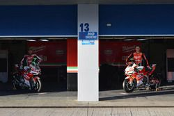 Lorenzo Savadori, Milwaukee Aprilia World Superbike Team, Eugene Laverty, Milwaukee Aprilia World Su
