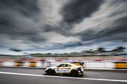 #24 Nissan Motorsport, Nissan GT-R Nismo GT3: Флориан Штраусс, Ян Марденборо, Тодд Келли