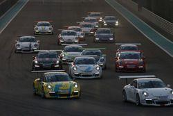 انطلاقة السباق الأول جولة أبوظبي الرابعة، بورشه جي تي 3 الشرق الأوسط