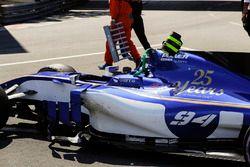 Coche dañado de Pascal Wehrlein, Sauber C36