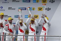 Podium: derde #9 Audi Sport Team WRT, Audi R8 LMS: Nico Müller, Marcel Fässler, Robin Frijns, René R