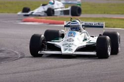 Un Williams FW07 y un FW06