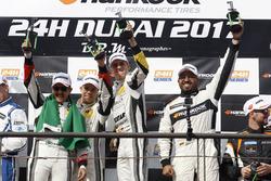 Podium: Winnaar 991 #68 Black Falcon Porsche 991 Cup: Saud Al Faisal, Saeed Al Mouri, Anders Fjordba