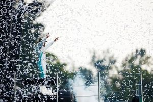 Race winner Lewis Hamilton, Mercedes AMG F1 n the podium