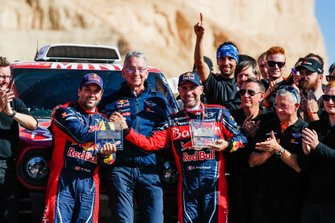 #302 JCW X-Raid Team: Stephane Peterhansel, Paulo Fiuza with Sven Quandt