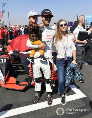 Lucas Di Grassi, Audi Sport ABT Schaeffler sur la grille avec son fils et sa femme Bianca Diniz Caloi
