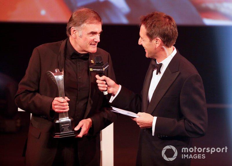 Dick Bennetts riceve il Gregor Grant Award