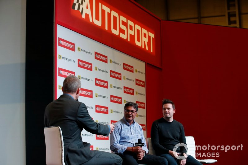 Presenter Stuart Codling interviews Manish Pandey on the Autosport stage