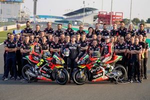 Andrea Iannone, Aleix Espargaro, Bradley Smith, Aprilia Racing Team Gresini with team members