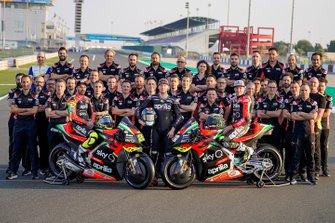 Andrea Iannone, Aleix Espargaro, Bradley Smith, Aprilia Racing Team Gresini con el equipo