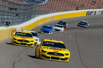 Joey Logano, Team Penske, Ford Mustang Pennzoil and Ryan Blaney, Team Penske, Ford Mustang Menards/Pennzoil