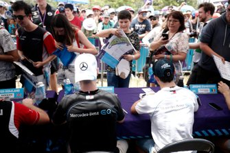 Stoffel Vandoorne, Mercedes Benz EQ, Nyck De Vries, Mercedes Benz EQ signs autographs autographs for fans