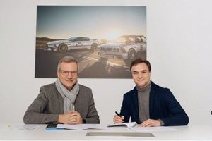 Lucas Auer with Jens Marquardt, BMW Motorsport director