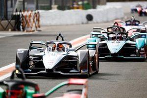 Stoffel Vandoorne, Mercedes Benz EQ Formula, EQ Silver Arrow 01 Mitch Evans, Jaguar Racing, Jaguar I-Type 4 into the pit lane