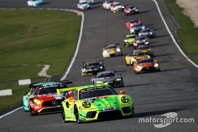 #911 Manthey-Racing Porsche 911 GT3 R: Mathieu Jaminet, Dirk Werner, Lars Kern