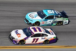 Denny Hamlin, Joe Gibbs Racing, Toyota Camry FedEx Express, Joey Gase, Petty Ware Racing, Chevrolet Camaro EFX Corp.