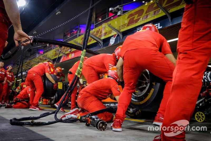 Ferrari SF90 Pitstop
