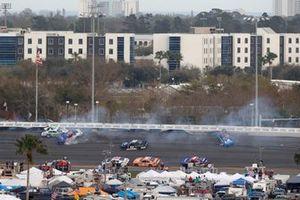 Crash of Austin Cindric, Team Penske, Ford Mustang MoneyLion
