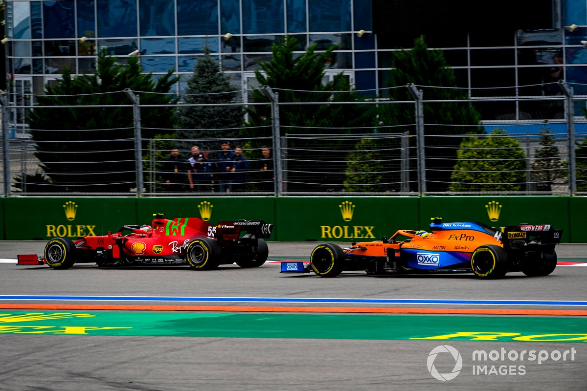 Carlos Sainz Jr, Ferrari SF21, Lando Norris, McLaren MCL35M