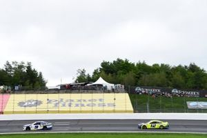 Chase Elliott, Hendrick Motorsports, Chevrolet Camaro NAPA Auto Parts, Ryan Blaney, Team Penske, Ford Mustang Menards/Tarkett