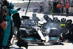 Valtteri Bottas, Mercedes W12, makes a stop