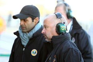 Karun Chandhok, Team Lotus, mit Mike Gascoyne