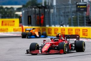 Carlos Sainz Jr., Ferrari SF21, Lando Norris, McLaren MCL35M