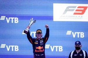 Le Champion Dennis Hauger, Prema Racing fête sur le podium