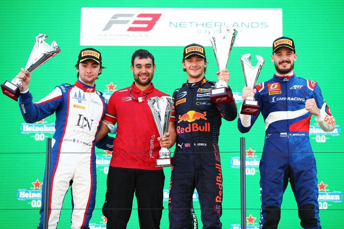 Podio: Dennis Hauger, Prema Racing, Clement Novalak, Trident, Alexander Smolyar, ART Grand Prix