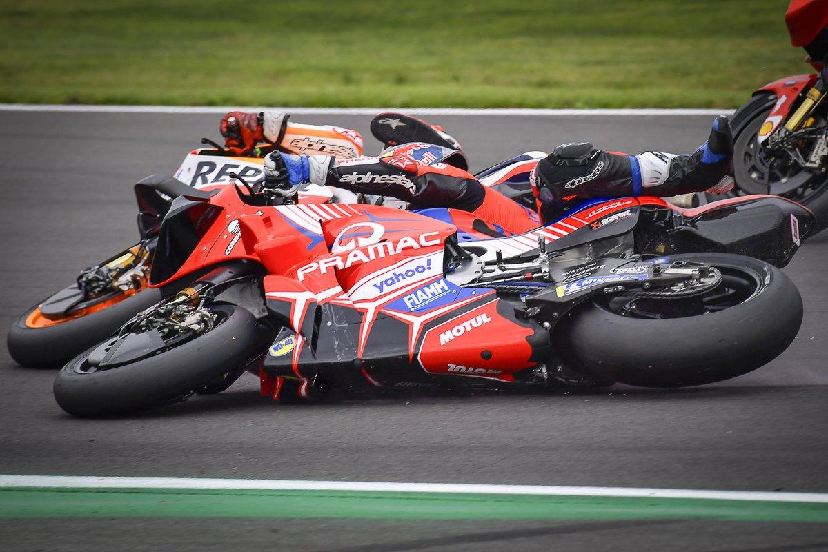 La caída de Marc Márquez, Repsol Honda Team, y Jorge Martín, Pramac Racing