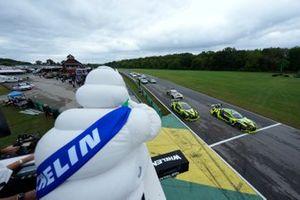 Start der GTD-Klasse beim IMSA-Rennen 2021 auf dem Virginia International Raceway in Alton