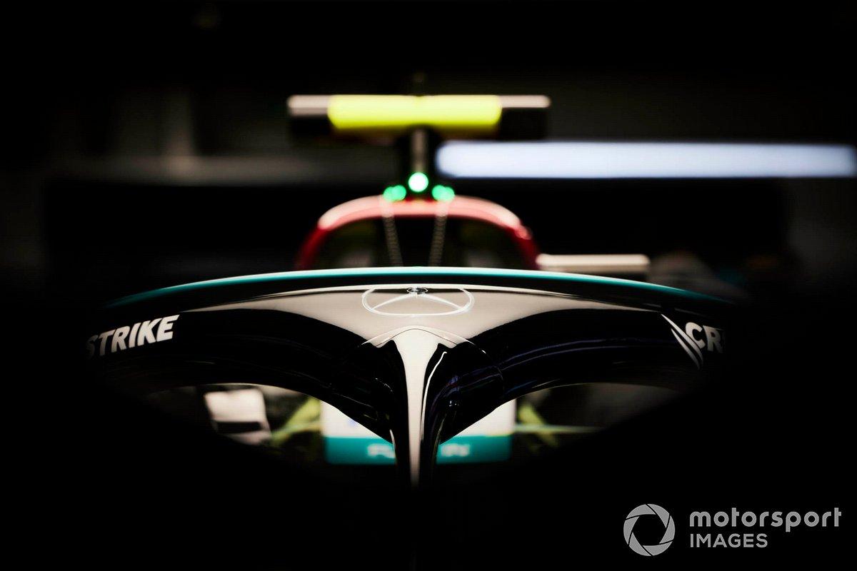 El halo en el coche de Valtteri Bottas, Mercedes W12