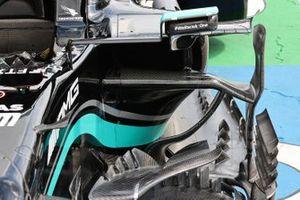 Детали области дефлекторов Mercedes W12