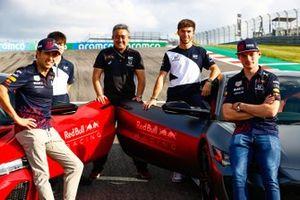 Honda NSX photoshoot, featuring Sergio Perez, Red Bull Racing, Max Verstappen, Red Bull Racing, Yuki Tsunoda, AlphaTauri, Pierre Gasly, AlphaTauri and Masashi Yamamoto, General Manager, Honda Motorsport
