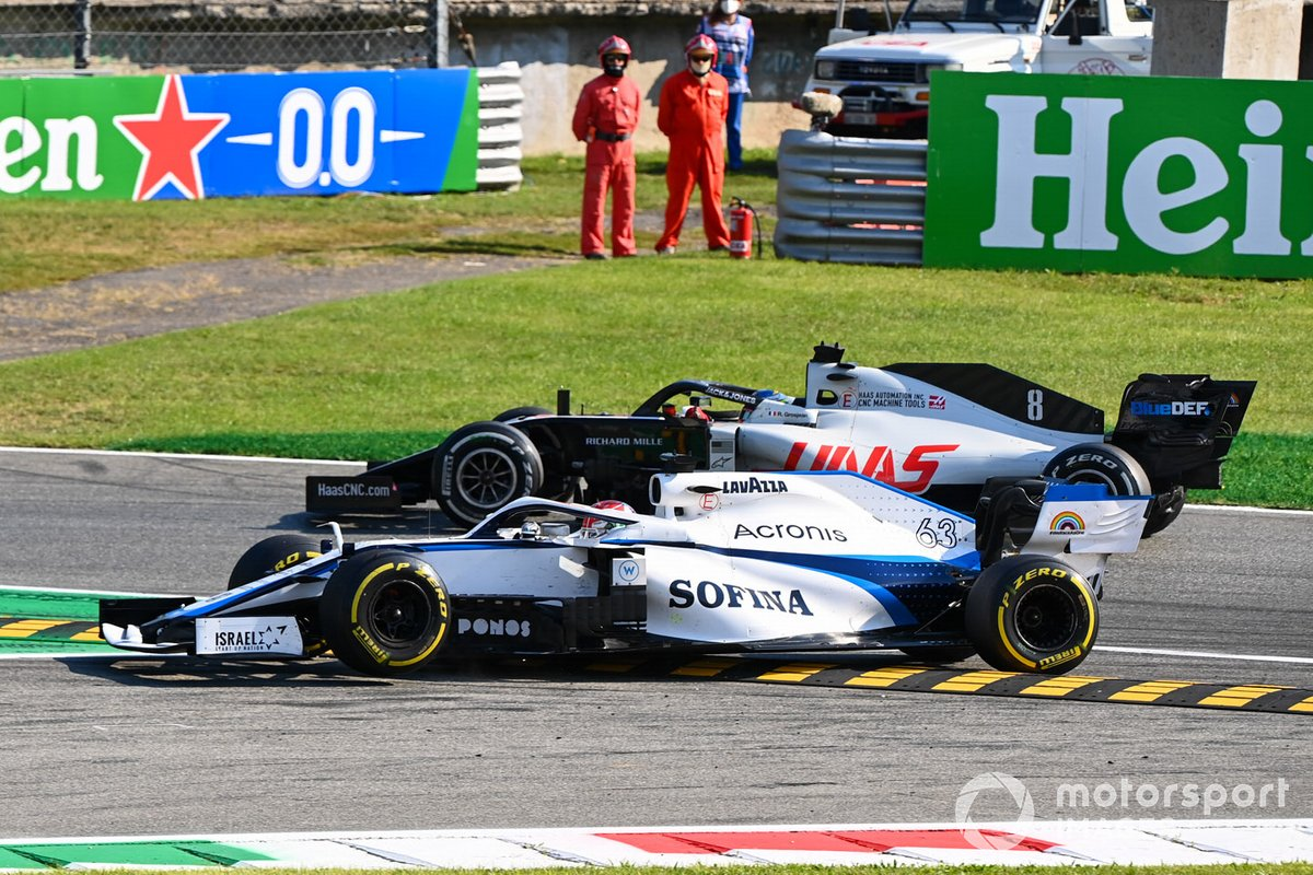George Russell, Williams FW43 se va de largo y Romain Grosjean, Haas VF-20