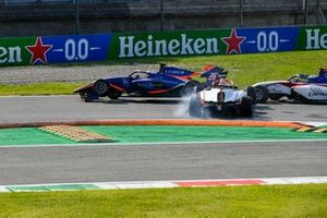 Incidente di Clement Novalak, Carlin e Oscar Piastri, Prema Racing