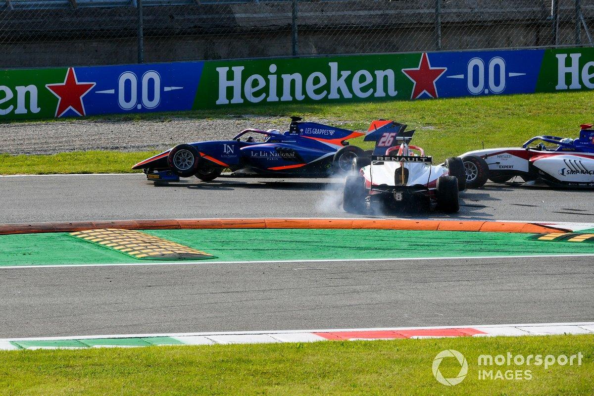 Accidente de Clement Novalak, Carlin y Oscar Piastri, Prema Racing