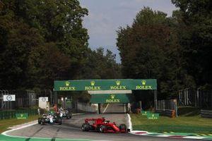 Sebastian Vettel, Ferrari SF1000, George Russell, Williams FW43, and Nicholas Latifi, Williams FW43