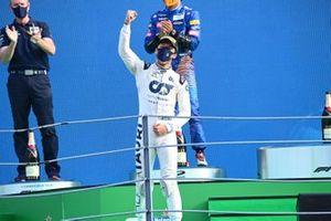 Pierre Gasly, AlphaTauri, 1st position, arrives on the podium