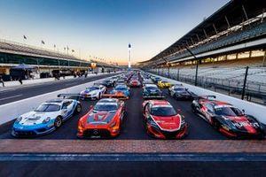 Le auto che partecipano alla 8 ore di Indianapolis