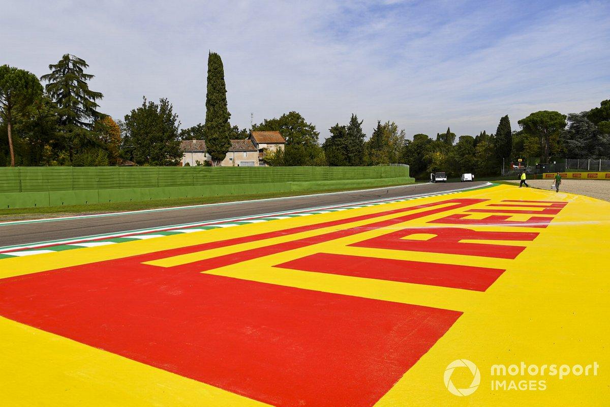 Marca de Pirelli en Imola