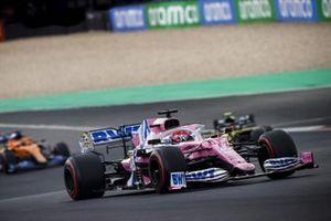 Sergio Perez, Racing Point RP20, Esteban Ocon, Renault F1 Team R.S.20