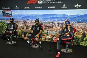 Valtteri Bottas, Mercedes-AMG F1, Lewis Hamilton, Mercedes-AMG F1, Max Verstappen, Red Bull Racing